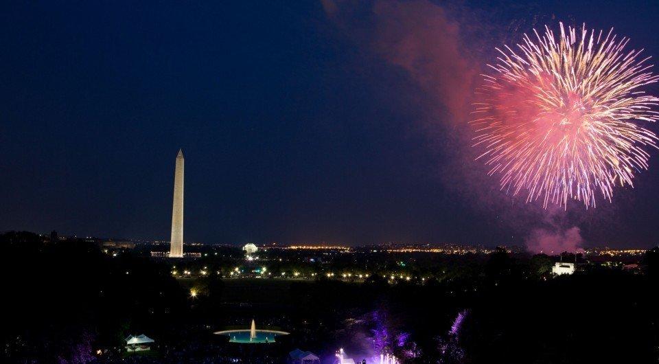 firework-at-mall-e1433981537992