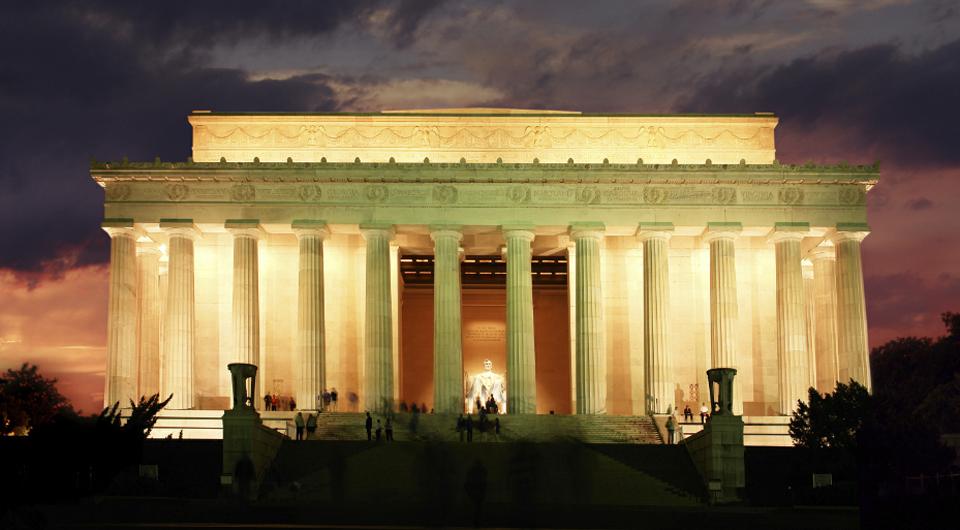 Lincoln-at-Night